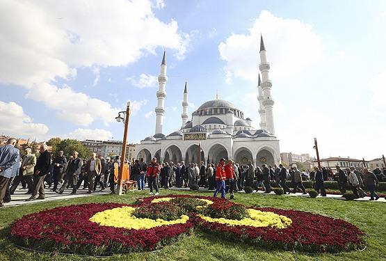 Церемония открытия мечети Мелике Хатун в Анкаре / Источник фото: Yeni Şafak