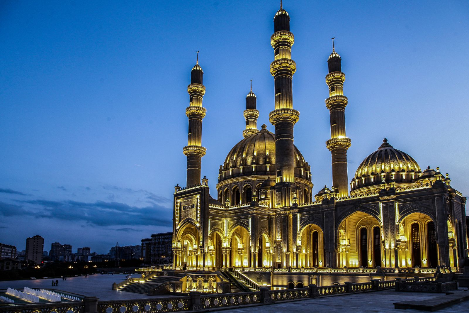 самые красивые мечети мира фотографии нью-йорке неулыбчивой девушке